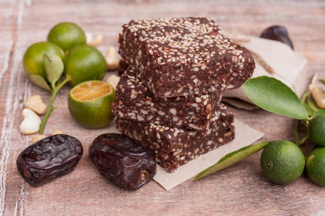 Witariańskie czekoladowe brownie