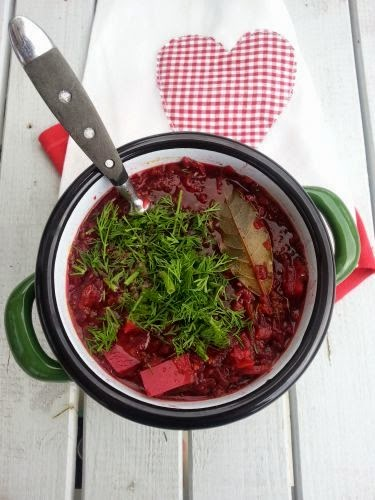 Zupa z pieczonych buraków i fasolki mung