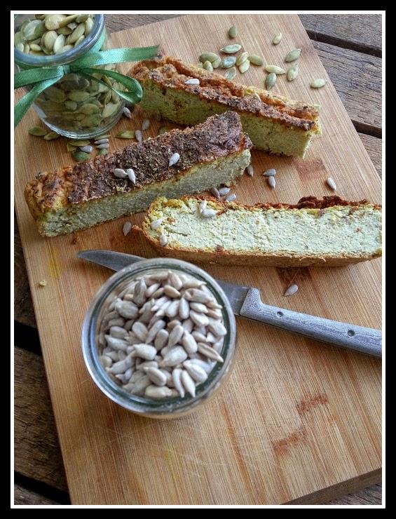 Pieczeń z pestek dyni i słonecznika z kaszą jaglaną