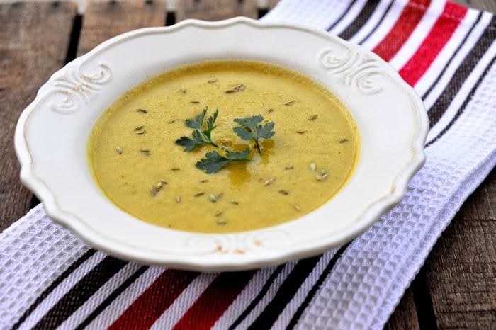 Zupa krem z kiszonych ogórków i batata